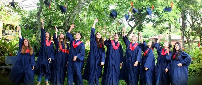 alquiler de togas en cali,graduaciones en cali,togas cali